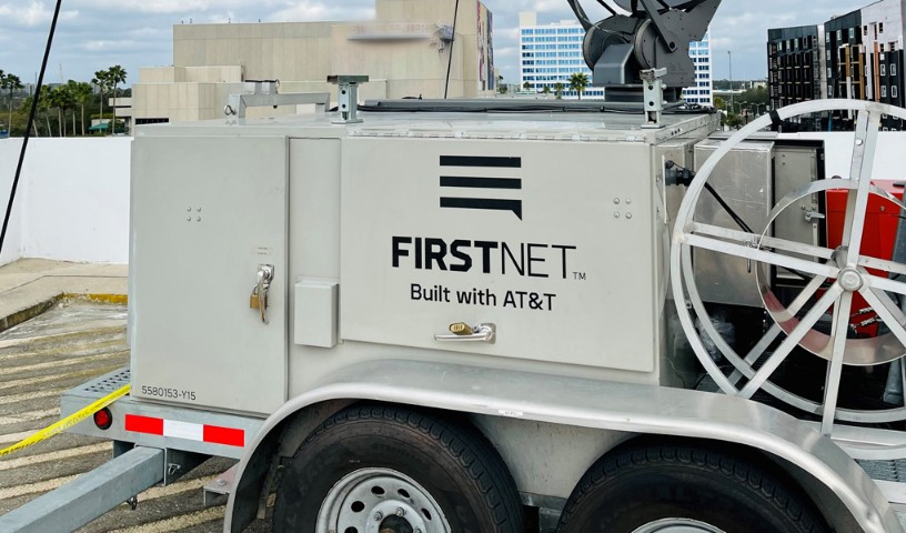FirstNet dedicated SatCOLT deployed on the rooftop and on hot-standby for extra redundancy.